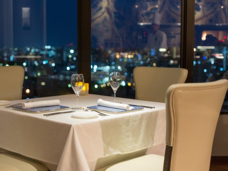 レストランにて開業2周年記念キャンペーンを実施!